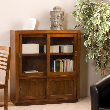 Vitrine 4 portes coulissantes meubles macabane meubles for Meuble vitrine une porte