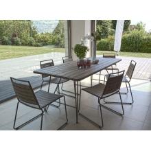 Salon de jardin n°300 comprenant 1 table à manger pieds scandi et 3 ...